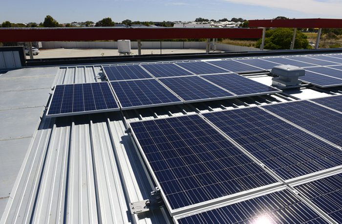 Caltex Lakelands solar power system